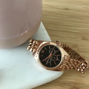 Accessories - Women's Dainty Watch